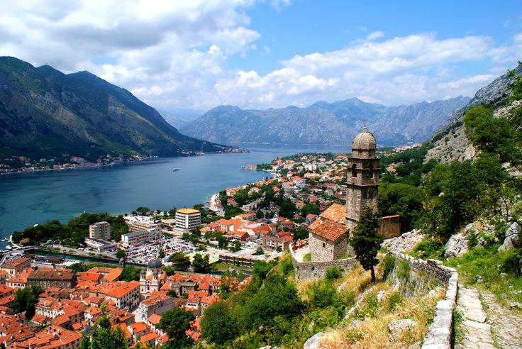 Les Bouches de Kotor, un fjord en mer adriatique ! Réservez votre hébergement dans les Bouches de Kotor, à Kotor, Perast, Risan, Forte Rose, Herceg Novi, Tivat, Porto Montenegro.