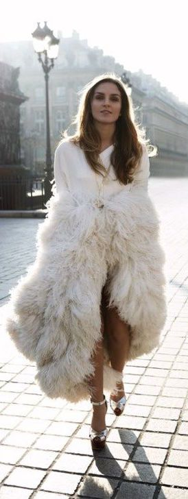 #street #fashion fall all-white fur @wachabuy