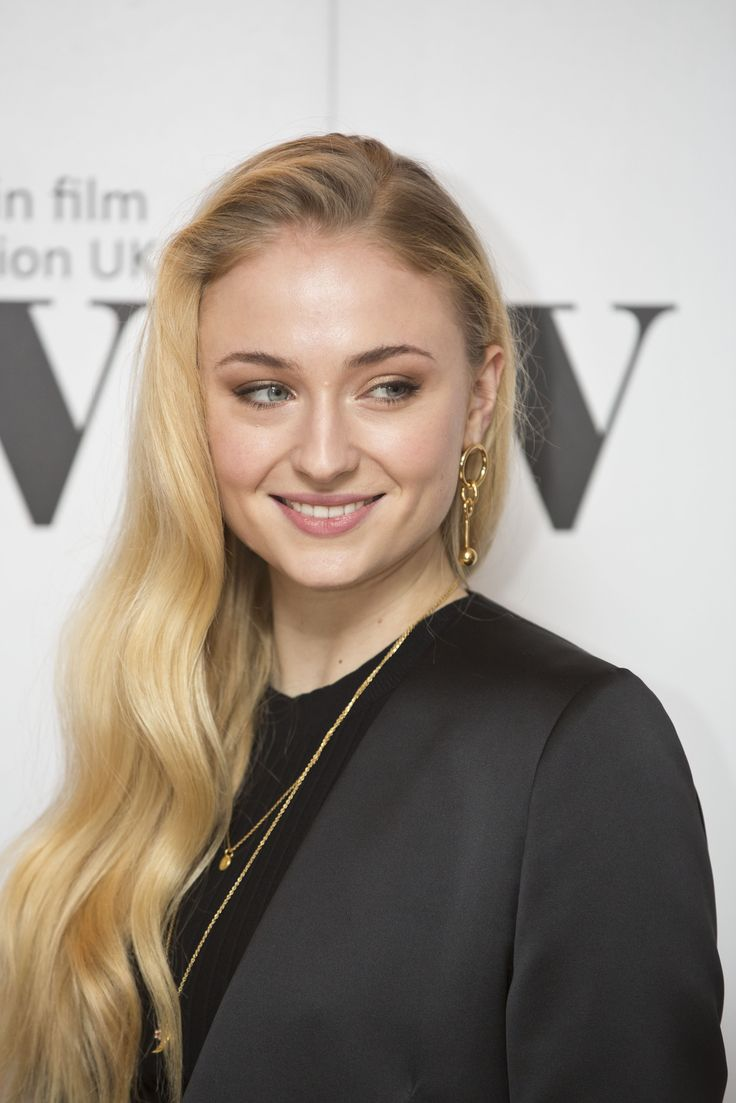 Pin By Edward Jay On Sophie Sophie Turner Maisie