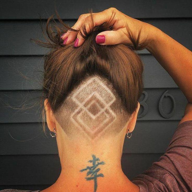 tattoo haare frau undercut rechtecke geometrische muster #hairstyles #tattoo #womenhairstyles –  – #Kurzhaarfrisuren