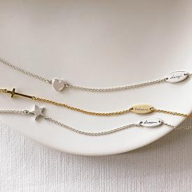 Ashleigh - Cross Necklace: Inspiration Necklaces, Crosses Necklaces, Necklaces 3999, Crosses Jewelry, Charms Necklaces, Inspiration Image, Europe Travel, Necklaces Gifts Ideas, Travel Gifts Ideas