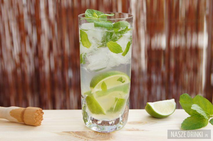 Mojito drink (Mohito) jest jednym z najbardziej popularnych koktajli na świecie i jednym z naszych ulubionych. Pochodzi z Kuby i robiony jest na bazie białego rumu.