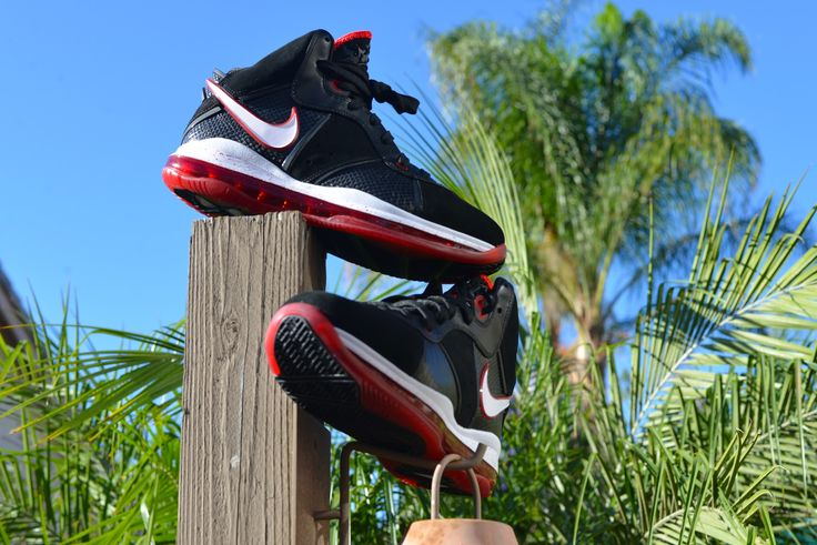 Nike Air Max LeBron VIII (Black/White/Red) Size Deadstock