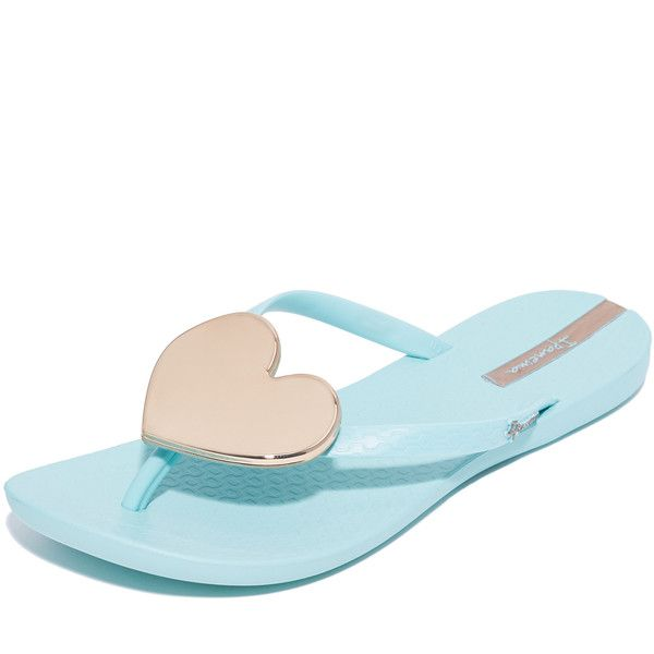 Ipanema Wave Heart Flip Flops (485 MXN) ❤ liked on Polyvore featuring shoes, sandals, flip flops, slim shoes, rubber flip flops, rubber sole sandals, ipanema flip flops and rubber sole shoes