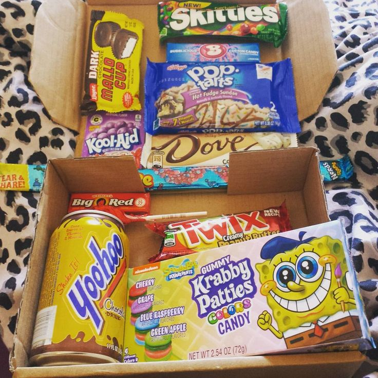 Oh my god  my #taffymail arrived today and I think it's my favourite yet!! #poptarts #hotfudgesundae  and I've been hoping for the #dove cookies and cremè bar! And chocolate #yoohoo ahhhhhh  also the #spongebob sweets look so cool. Can't wait to try these. My taste buds are now playing up....I was told the effects of my treatment might kick in late and I think they have as I can't eat much either but I will get through these over the next couple of weeks