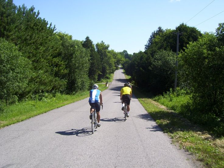Northumberland has 5 signed on-road #cycling routes. Connect with your smartphone, tablet or GPS devices by using  Google Maps. We've also mentioned those establishments that are registered with #Ontario By #Bike. http://www.northumberlandtourism.com/en/outdoor-adventure/Top-5-Cycling-Routes.asp