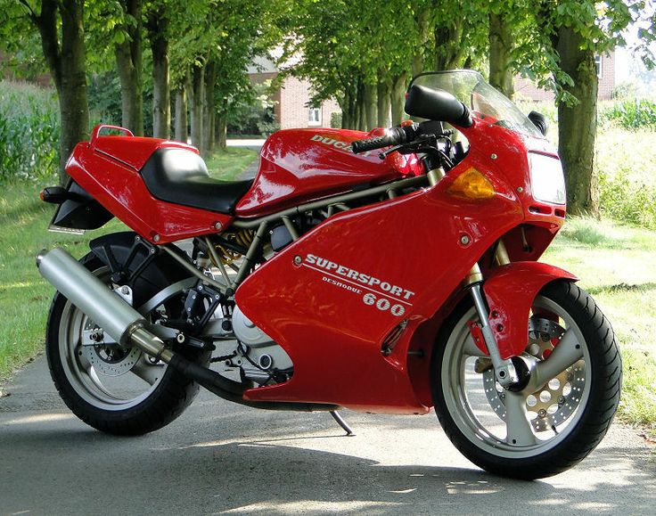 DUCATI 600 SS CARENATA : 583 ccm,53 PS