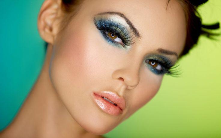 Face Makeup Of Beautiful Girl Wallpaper HD Downlaod