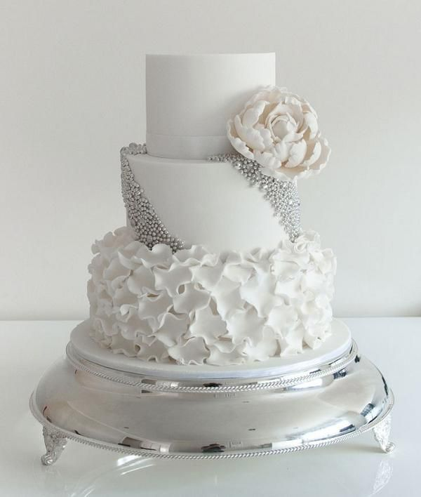 elegant white and silver wedding cakes best 25 silver winter wedding ideas on 13999