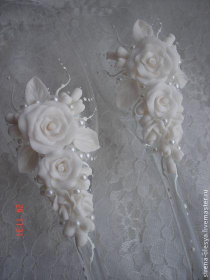 Свадебные бокалы `Каприз`. Нежные свадебные бокалы для тех, кто не любит излишеств и пафоса. Могут быть выполнены в любой цветовой гамме.