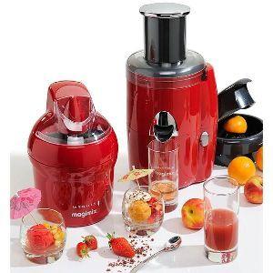 MAGIMIX - 18046PACK _ Inventez toutes sortes de recettes et dégustez vos 5 fruits et légumes par jour. Centrifugeuse pour extraire des fruits et des légumes un jus pur et limpide. Presse-agrumes pour les oranges ou les citrons, pour les gros ou les petits agrumes. SmoothieMix pour extraire des fruits ou des légumes de délicieux nectars, smoothies ou coulis. Pour 1 € de plus un glacier offert (voir conditions en magasin)