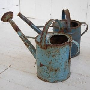 Vintage Metal Watering Cans...so love.....I wish it was spring.....