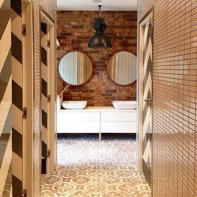 Mirrors by Handle Studio for the new FoodPark by @ginzaspb  Design by @megreinteriors @Irinakrivtsova @tanyaredina  #mirror #metall #frame #brass #bathroom