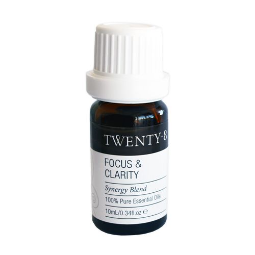 Focus & Clarity Synergy Blend - With oils of Grapefruit, Rosemary, Myrtle and Spearmint you will find the Focus & Clarity blend an incredible one for studying, focusing, mindfulness and for being truly present.  Perfect when feeling clouded or unable to make decisions and ideal for an instant focused pep-me-up!