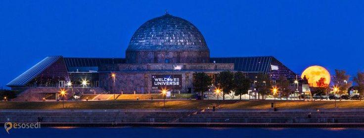 Планетарий Адлера – #Соединённые_Штаты_Америки #Иллинойс #Чикаго (#US_IL) Первый планетарий западного полушария.  ↳ http://ru.esosedi.org/US/IL/1000471652/planetariy_adlera/