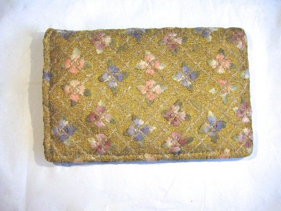 765 kr. Mint 1920s Evening Embroidered Clutch Bag / by BambagiaVintage