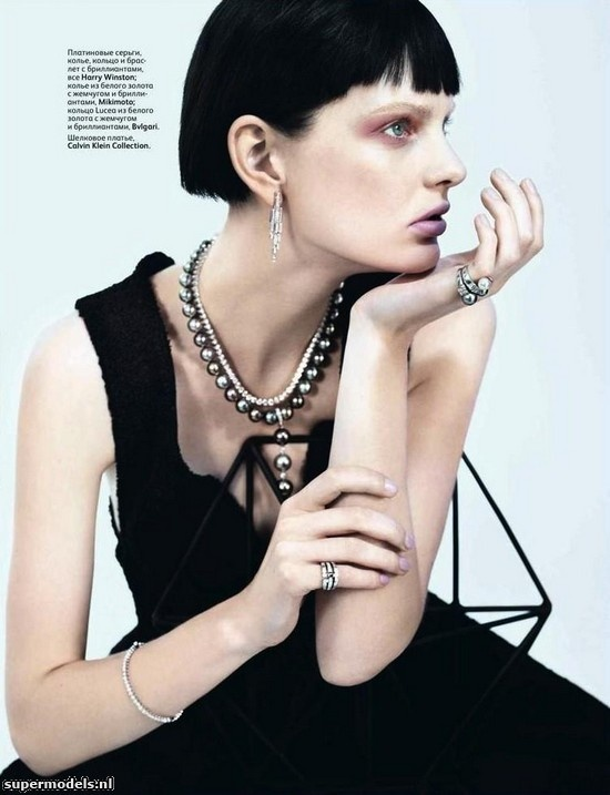 Patricia van der Vliet in 'Jewelry' - Photographed by Catherine Servel (Vogue Russia August 2012)    Complete shoot after the click...