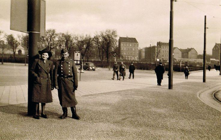 Райхс платц. Слева вдали старые кладбища. Чуть правее центра перекрёс ок Роон штр. с Бургенланд штр.