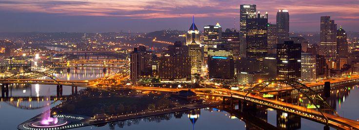 La silueta de la ciudad de Pittsburgh, Pensilvania