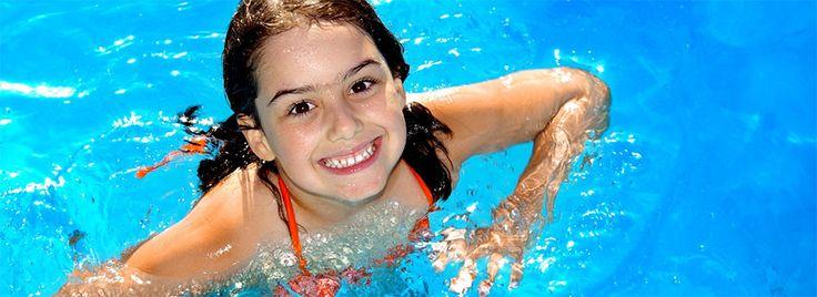 1. Egészséges és erős test   Az úszás kívül és belül működik: kezdve a szívünkkel. Úgy mint a futás és biciklizés az úszás is lehet aerobic és anaerobic. Olyanná alakítod az úszást, ami neked szükséges: míg az aerobic úszás szívedet egy bizonyos zónában tartja és erősít; addig az anaerobic úszásforma...