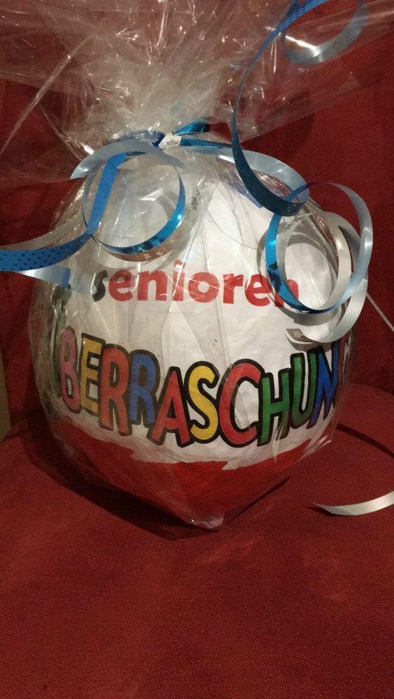 Für einen 50. Geburtstag habe ich im vergangenem Jahr ein Überraschungsei XXXXXL gebastelt und es in Senioren-Ü-Ei umgetauft. :) Für die Nachbastelei benötigt ihr nicht viel an Material: 1 Luftball…