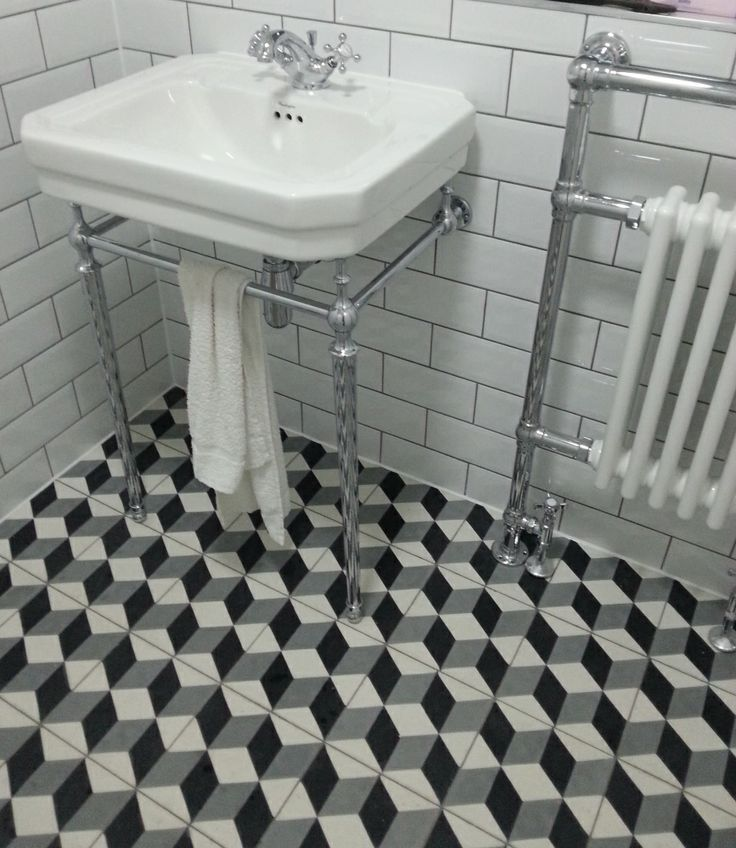Excellent Tile That Is Designed To Replicate A Vintage Or Moresque Encaustic