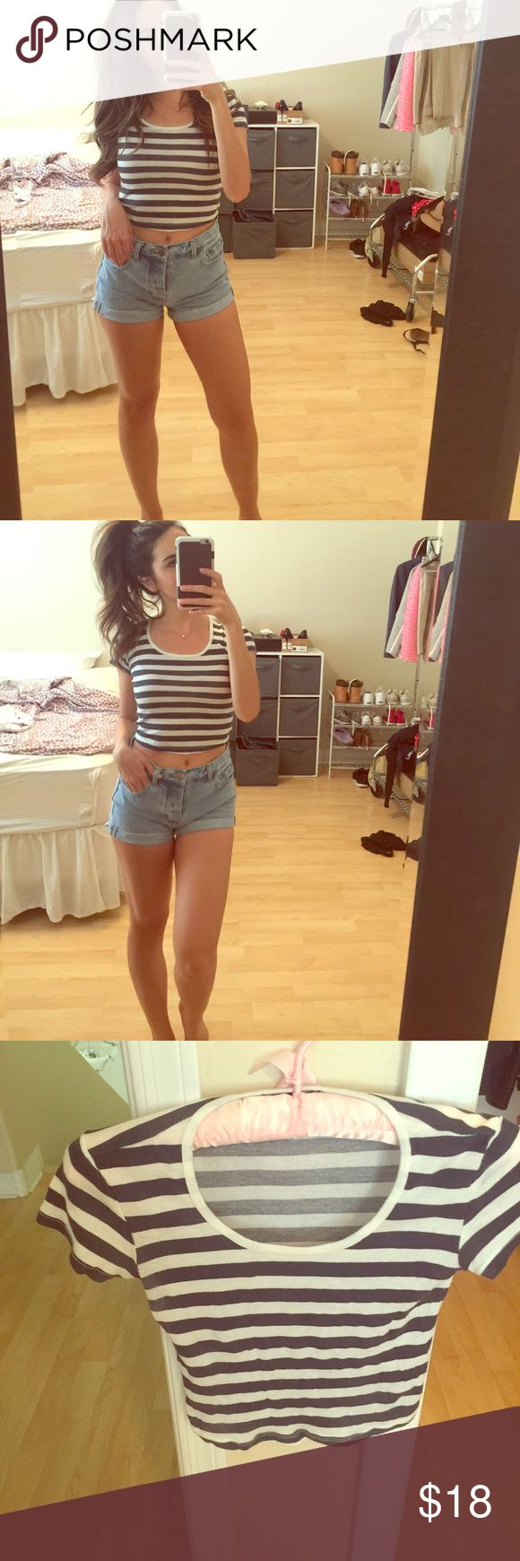 Blue and white cropped tee. Sexy little tee. Great with jeans. Truly Madly Deeply Tops Crop Tops