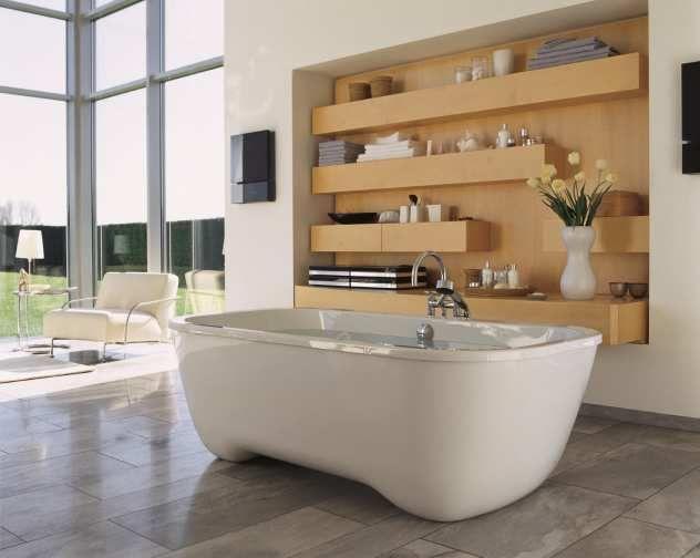 Freistehende Badewanne Weiche Rundungen Im Design Bad Mit Holzwand