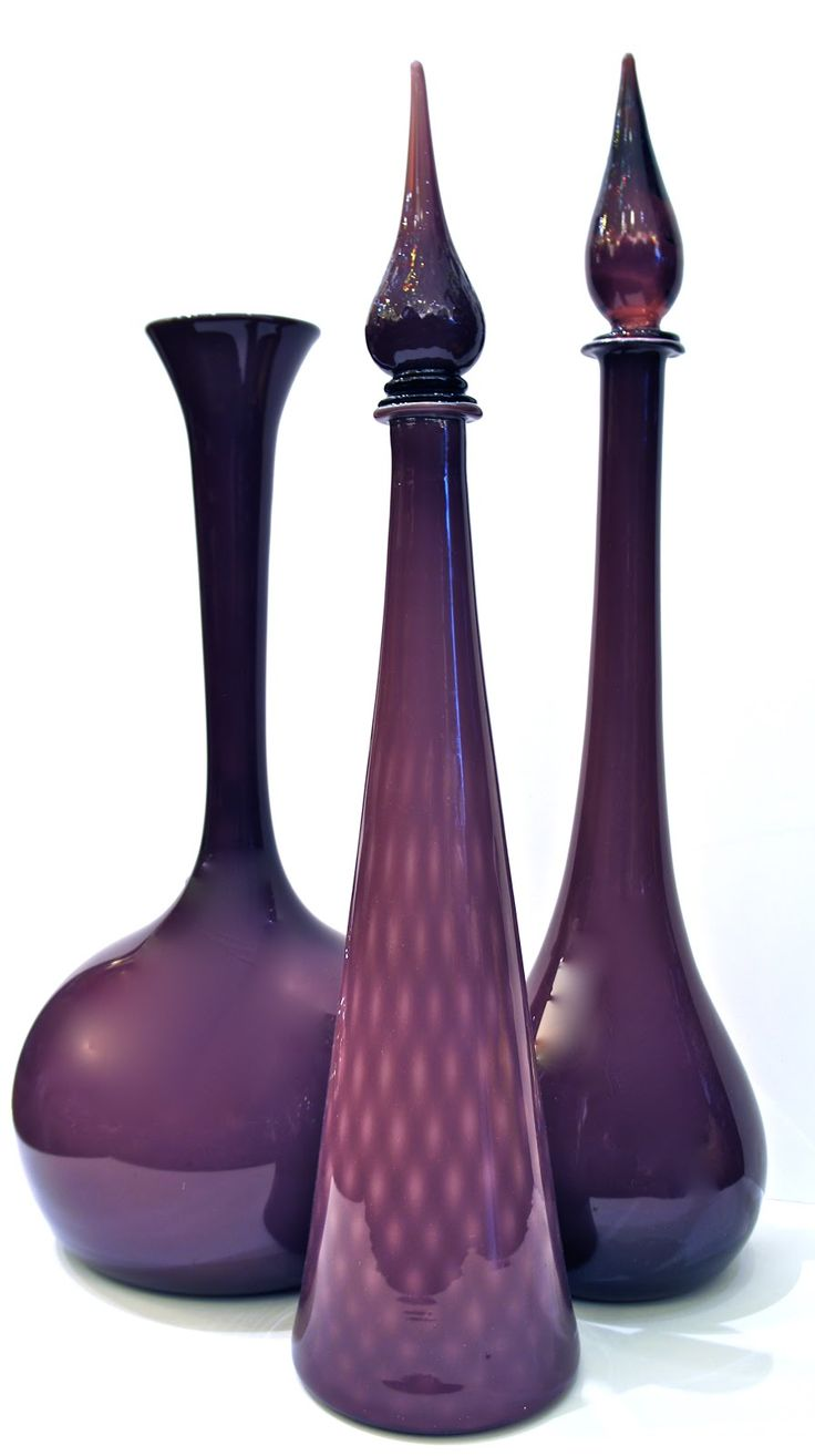 Aubergine Empoli my mom had one identical to the one on the right.