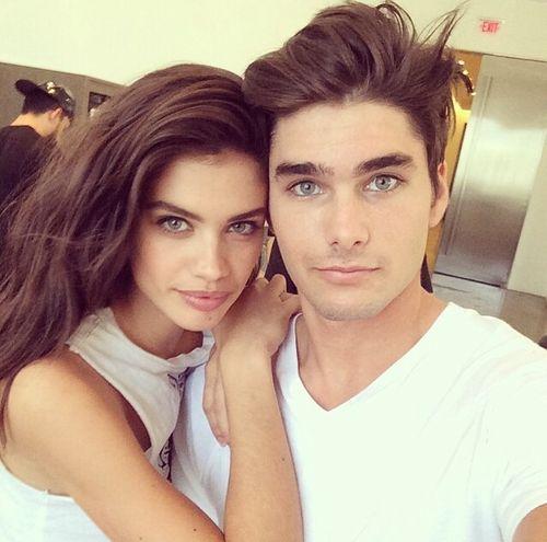 how to take cute couple selfies