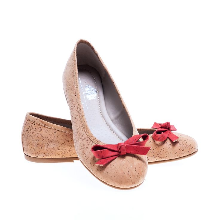 Ballerina Shoes of Cork with Red Bow. 100% Eco-Friendly, produced in Portugal. Lightweight, practical and sturdy. Montado - Cork with Art.