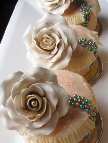 كب كيك للمناسبات - Elegant cupcakes for your different occasions