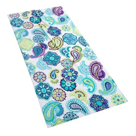 Dry off in style with the Intelligent Design Tamil Beach Towel. This intricate towel features a fresh look to the contemporary paisley pattern with an eclectic mix of colorful florals and medallions.