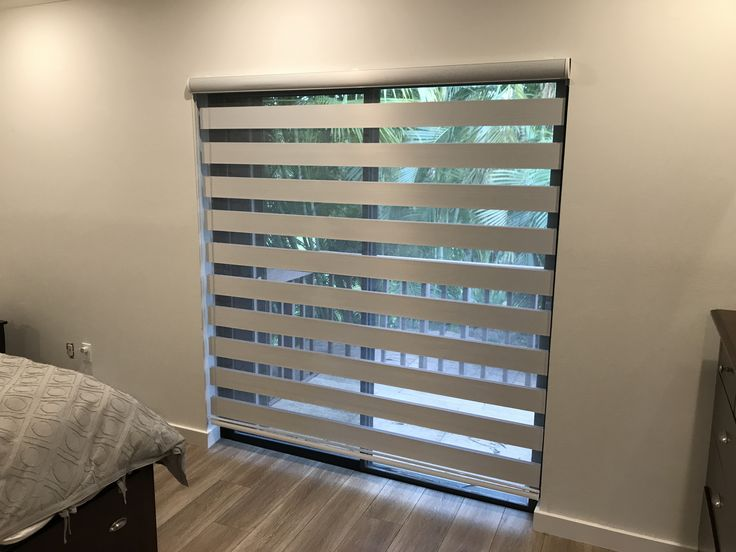 Best 25 Sliding Door Shades Ideas On Pinterest Sliding Door Treatment Patio Door Blinds And