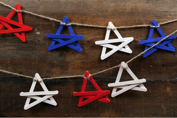 4th of July popsicle stick star banner