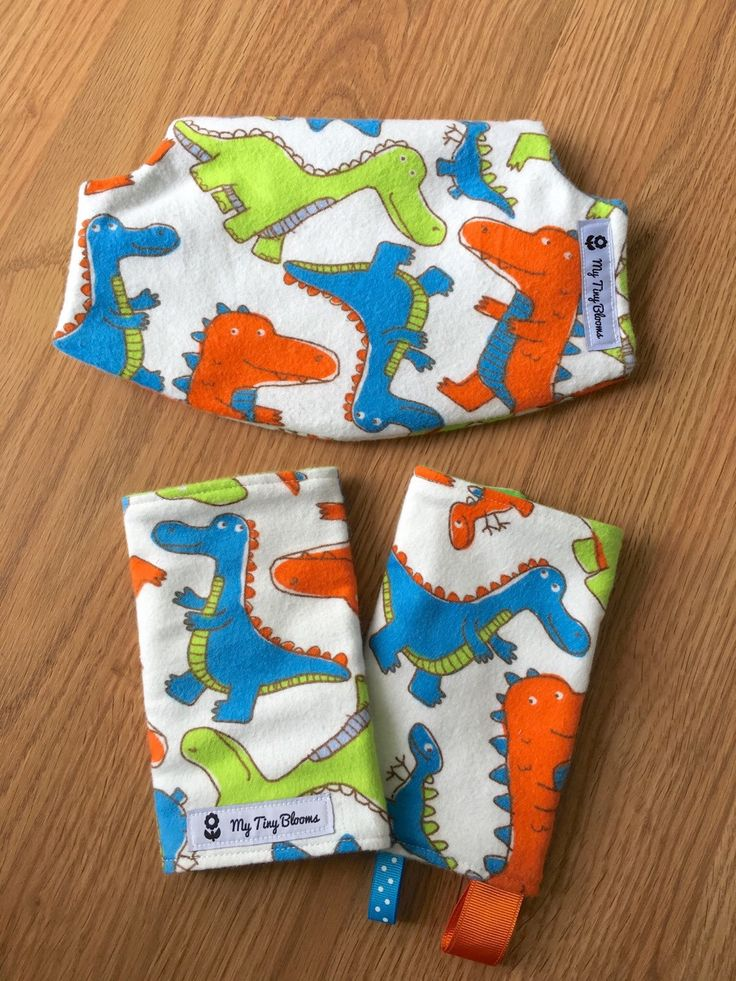 Dinosaur suckpads, Lillebaby Suck Pads & Drool bib, Dino Drool Pads, Lillebaby accessories, Carrier accessories, Lillebaby Dino Suckpads