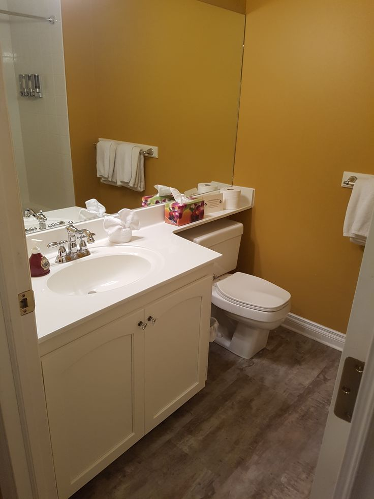 Bathroon (Larch King Bed Room)