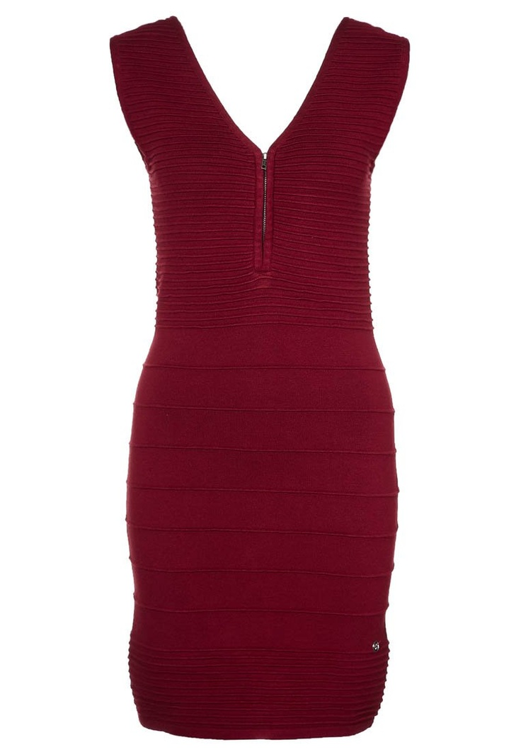 One Green Elephant RUBI Strickkleid in merlot red @Zalando