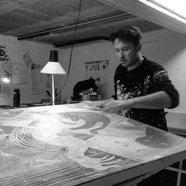 Ollivier FOUCHARD Créations photo By Yann Duguay #ollivierfouchard #painter #engraving #music #exhibition #france #brittany #designergraphique #marcusmiller #paulmccartney #bassplayer #art #lorient #creation #bretagne #pontaven