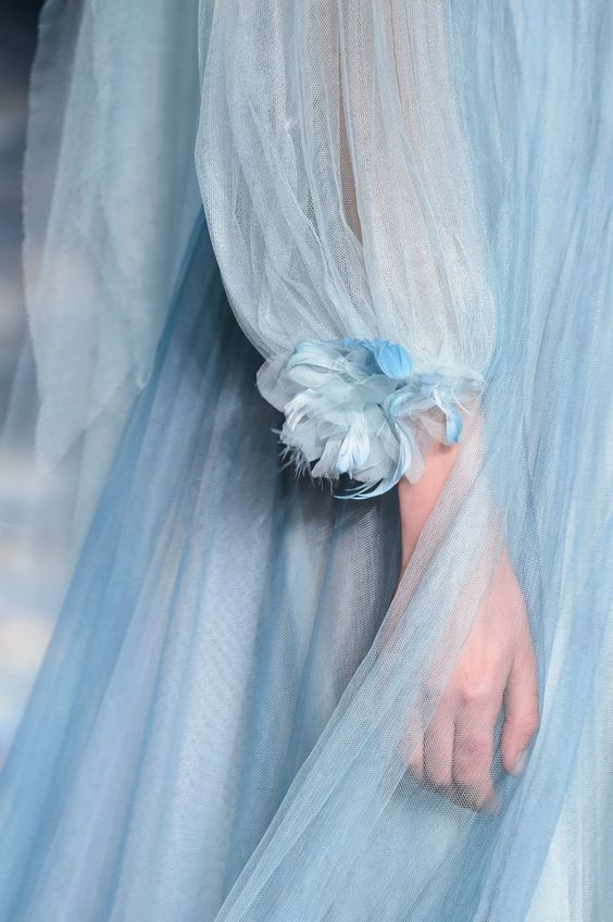 baby blue.  |  pinterest: @Blancazh
