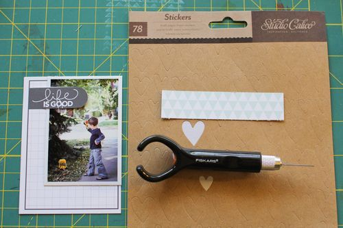 Altering premade journaling cards with Lisa Truesdell.  #scrapbooking #projectlife
