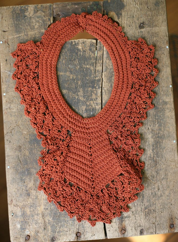 Vintage crocheted collar from The Snail and the Cyclops on Flickr