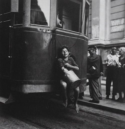 Naples ca. 1930. Photo: Gotthard Schuh. Vintage Italy