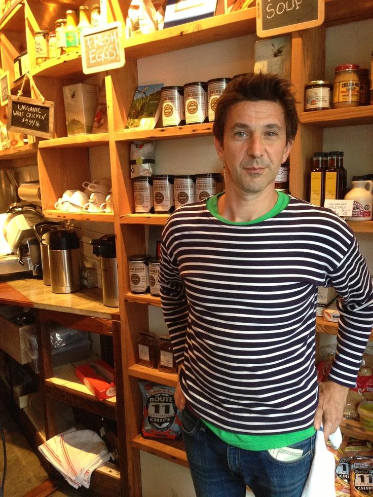 Stéphane är delägare och har bland annat gjort delar av drinklistan. Ursprungligen från Paris, men bott i New York de senaste 20 åren.