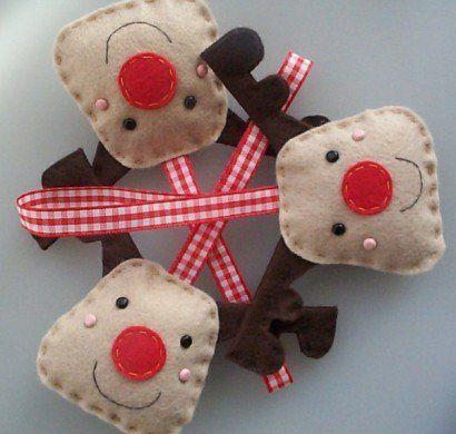 bastelideen-weihnachten-adventskranz-basteln-filz-hirsche