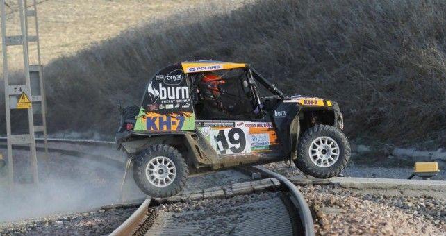 El piloto del equipo KH-7 Polaris se ha impuesto en la categoría de Buggys de la Baja Tierras del Sur y suma su tercera victoria consecutiva en el Campeonato de España de Rallys Todo Terreno.