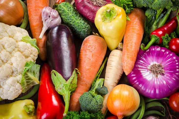 Van veganistische voedingspatronen is bekend dat ze mensen kunnen helpen met het afvallen. Ze bieden daarnaast ook een scala aan gezondheidsvoordelen. Om te beginnen kan een veganistisch voedingspatroon gezond zijn voor je hart. Verder kan het bescherming bieden tegen type 2 diabetes en bepaalde vormen van kanker. Hier volgen zes wetenschappelijk onderbouwde gezondheidsvoordelen van veganistische […]