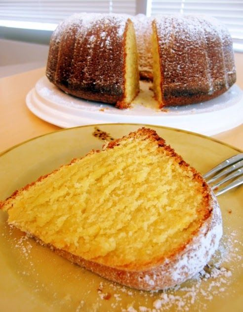 Orange & Olive Oil Cake Recipe adapted from David Leite   This Portuguese cake took me right back to Portugal...sitting in my Aunt's courtya...