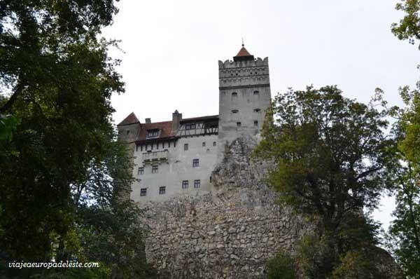 #Castillo de Bran en #Rumania, donde nació la leyenda del Conde Drácula.