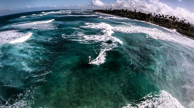 From oronkesselNext vlog is going to be fun! Check out the view from above. Good I have 20m lines so it's not too far. Can't wait to finish that video. #kitesufing #surfing #cabarete #encuentrobeach #ozonekites #goproozonekites,kitesufing,surfing,encuentrobeach,gopro,cabarete